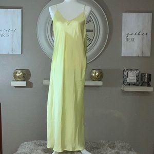 Zara women's size large yellow long gown.